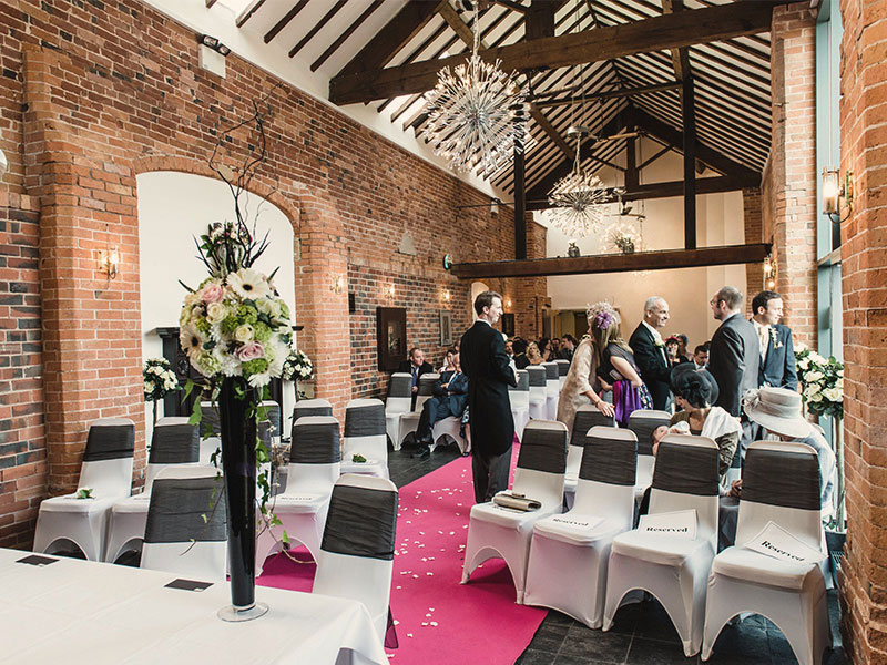 4 Tips When Choosing a Specialist Wedding Venue